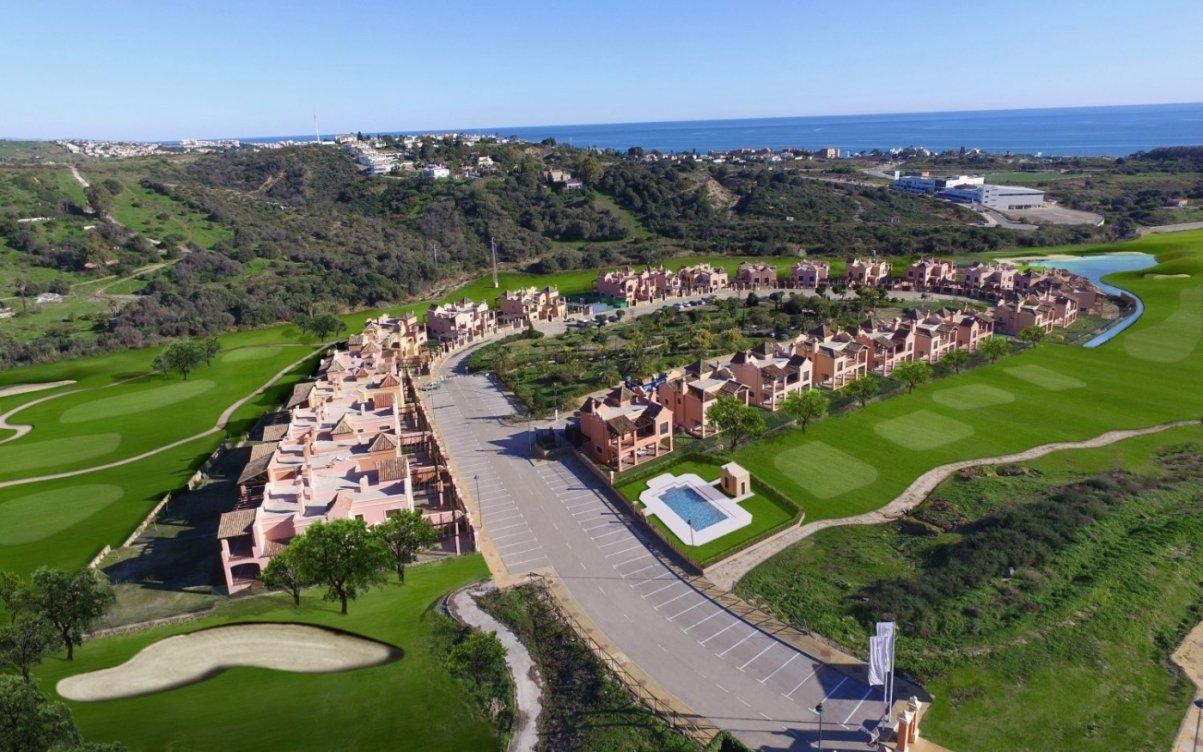 Chalets a estrenar en Estepona Golf en Estepona