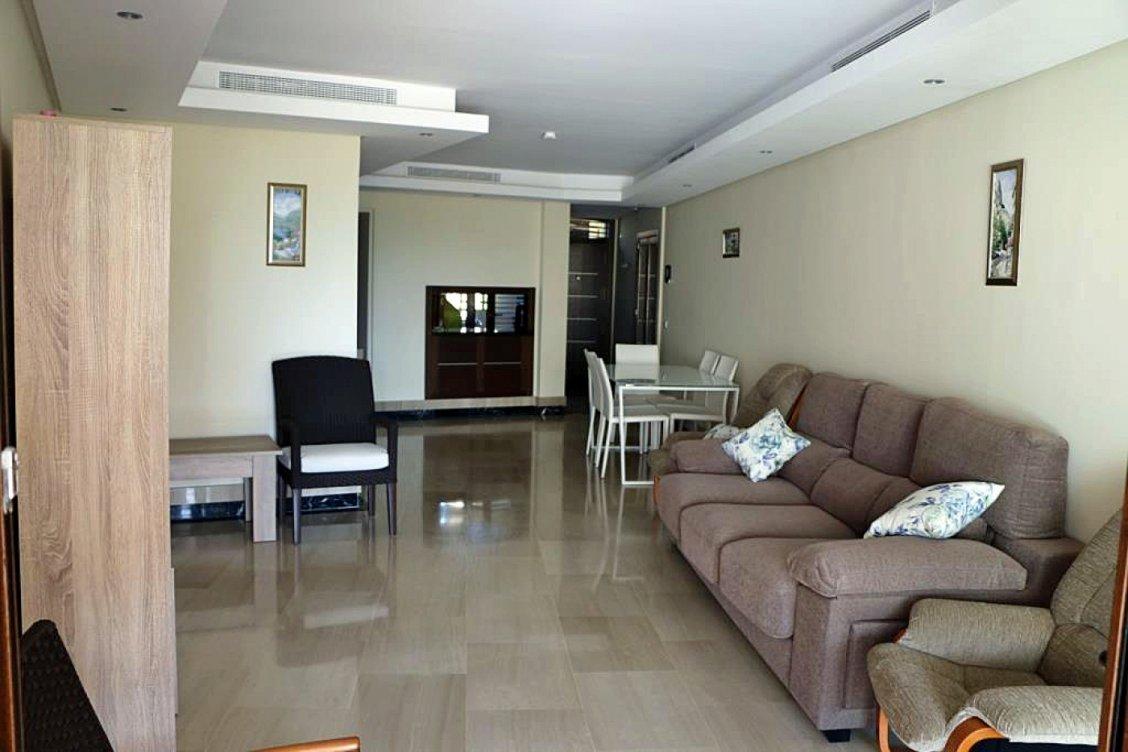 Apartamento en planta baja en primera linea de playa en Estepona