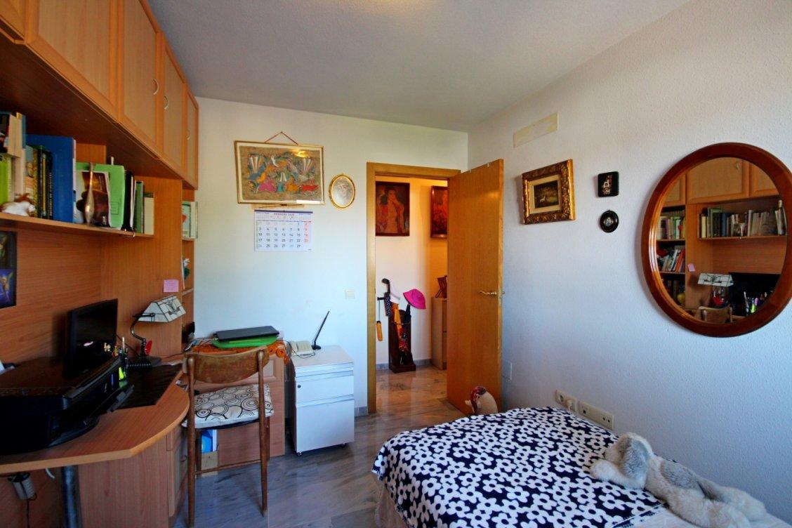Luminoso piso en Playamar en Torremolinos