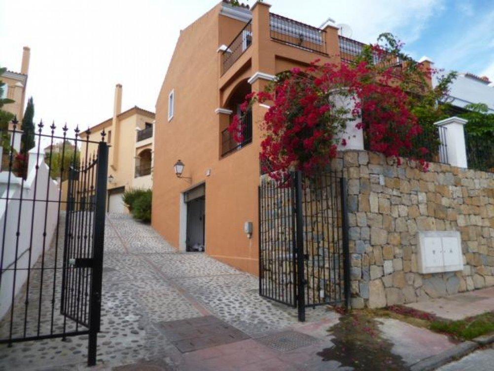 Chalet adosado en El Campanario en Estepona