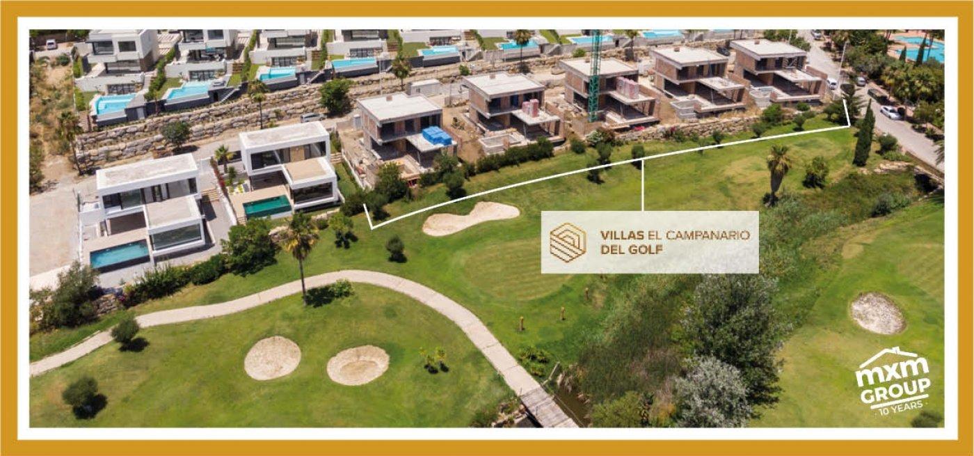 VILLAS EL CAMPANARIO en Estepona