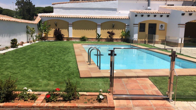 House for sale in Playa de la Barrosa, Chiclana in Chiclana de la Frontera