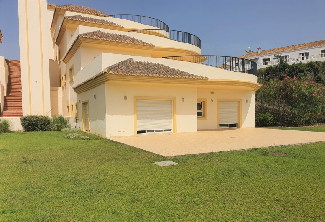 Apartment in a luxury complex of San Roque in San Roque